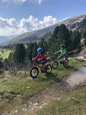 Pauschale: 4 Nächte In den Bergen des Heidi-Alm-Bergresorts Halbpension 2 Erwachsene (+2 Kinder) EUR 315,00