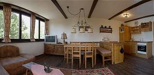 Pauschale: Exklusive Ferienwohnung/Haushälfte auf der Alm mit großer Sonnen-Terrasse